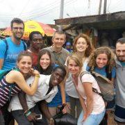 Don Alessandro, catechista del Don Bosco, e l'ex allieva Anna Barattini testimoniano ai giovani la loro esperienza in Ghana.